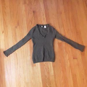 Saks 5th Ave 100% Cashmere v neck ruffle sweater